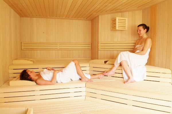 Sauna finlandese come usare la sauna finlandese in casa sauna finlandese - Bagno finlandese ...